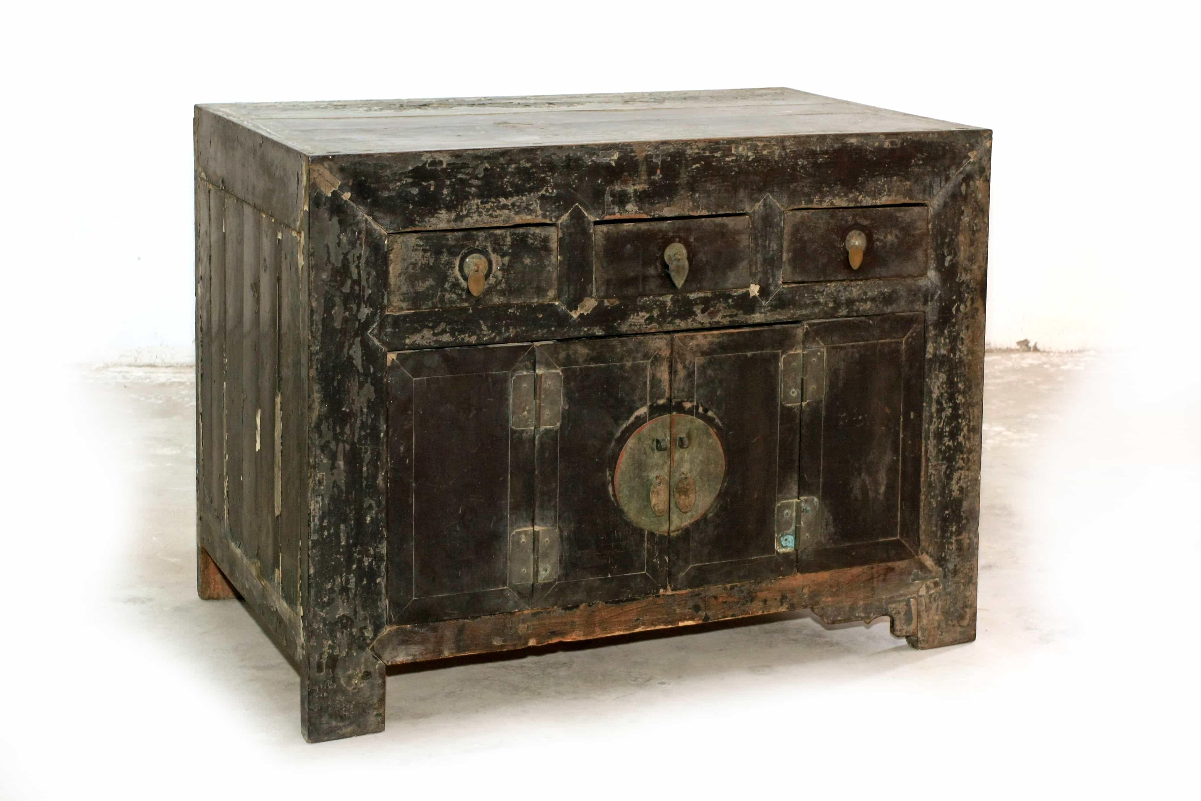 A Zhajing Wood Black Lacquer Cabinet